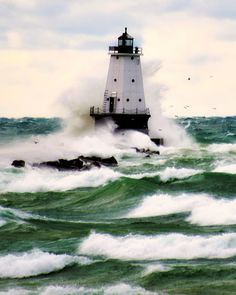 The storm will pass guided by our God, trust Him🙌.Ludington Lighthouse at Lake Michigan. Photo by John Anes, Image Tumblr, Grands Lacs, Lighthouse Pictures, Beacon Of Light, Great Lakes, Ocean Waves, Belle Photo, Beautiful Places, Scenery