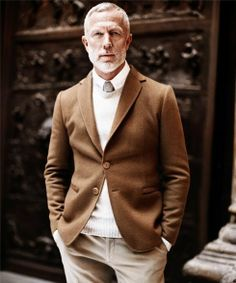 Amazing layering, brown jacket with cream jumper and chinos. #mens #fashion #style #gentleman