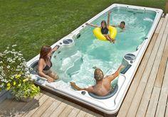 Le spa de nage connait de plus en plus de succès en France. Découvrez pourquoi le spa de nage est le digne successeur de la piscine et le compromis idéal entre piscine et spa !