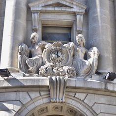 Detalles de arquitectura... #mascarasdebuenosaires #relojesdebuenosaires