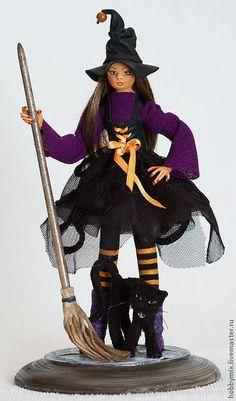 Коллекционные куклы ручной работы. Ярмарка Мастеров - ручная работа Ведьмочка и её чёрный кот. Handmade.