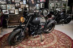 BMW R nine T