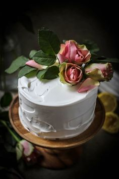 Caribbean princess cake. I love the simplicity of this. So easy. One big flower as a topper