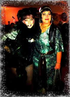 Lily, the fabulous raven and Cleopatra at Isa and the other Frank Sinatra's wedding 2012