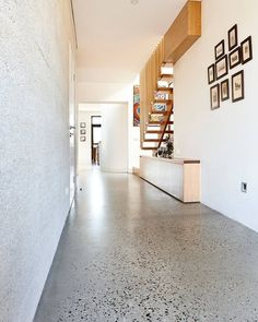 Terrazzo design is trending as one of the hottest interior design you'll be seeing everywhere. From terrazzo floor tiles, tables and lampshades to printed wallpaper, it's out there. Terrazo Flooring, Vct Flooring, Polished Concrete Flooring, Finished Concrete Floors, Epoxy Concrete, Concrete Lamp, Stained Concrete, Concrete Countertops, Escalier Design