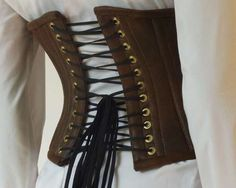 How to Make a Steampunk Corset   I probably won't ever make one of these though because I'm secretly a potatoe