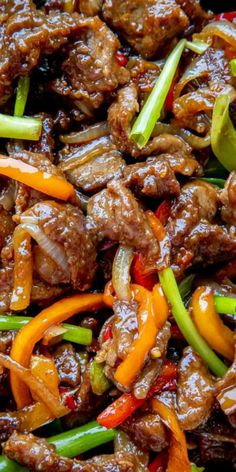 Mongolian Beef is a combination of juicy beef steak, seared peppers, onions, and green scallions all brought together with a sweet & savory Mongolian beef sauce. Meat Recipes, Asian Recipes, Cooking Recipes, Healthy Recipes, Ethnic Recipes, Beef Chunks Recipes, Thin Steak Recipes, Chinese Beef Recipes, Recipies