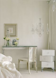 kensington house by shh 11 Hypnotizing London Home Adorned With Elegant Crystal Lighting