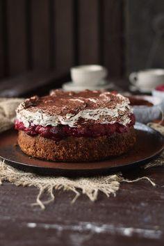 haselnuss-kirsch-kuchen-hazelnut-cherry-cake-11