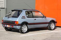 205 Turbo 16, Peugeot France, Citroen H Van, Hatchbacks, Cars Uk, Small Cars, Retro Cars, Peugeot 205, Maserati