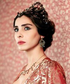 Sultan Pictures, Vegetable Painting, Turkish Beauty, Ottoman Empire, Costume, Interesting Faces, Fantasy Girl, Pretty Woman, Actors & Actresses