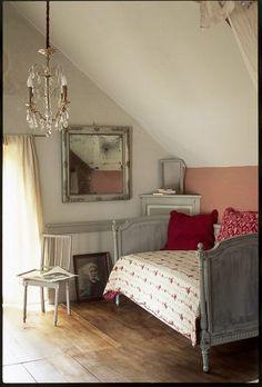 My fave. A child bedroom dream! Lit d'enfant Louis XVI