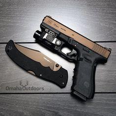 Glock 22 Gen4 with a Viridian X5L.                                                                                                                                                                                 Más