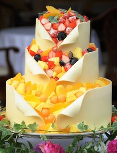 Just How Much Are Wedding Cakes Usually? Pretty Cakes, Beautiful Cakes, Amazing Cakes, Cake Cookies, Cupcake Cakes, Red Velvet Wedding Cake, Best Sweets, Just Cakes, Cool Wedding Cakes