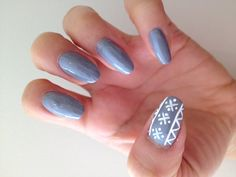 Pin for Later: This Ugly-Sweater Nail Art Is Actually Supercute Step 7 Repeat this process on the opposite thumb nail.  Source: Mars the Salon