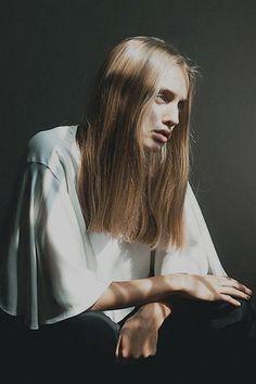 long blunt blonde hair
