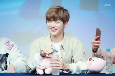 Kang Daniel (강다니엘) Wanna One Fansign