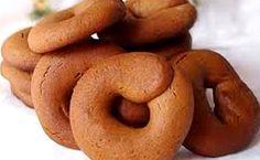 Κουλουράκια κανέλας Greek Sweets, Greek Desserts, Greek Recipes, Desert Recipes, Biscuit Cookies, Yummy Cookies, Greek Cake, Russian Desserts, Greek Easter