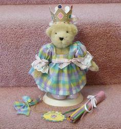 Hoppys Surprise Birthday Party Hat and Dress Muffy VanderBear