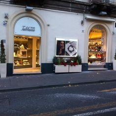 Gioielleria Tabbacco a #Catania in via Etnea 301-303. Tra le aziende partner di CT Center è concessionaria di prestigiosi marchi di gioielleria e orologeria.