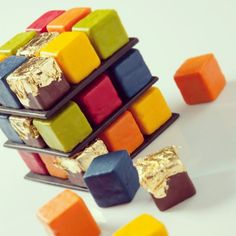 Presenting the Rubik's cake, one of a selection of new delicacies at Le Meurice, Paris, created by new chef patissier Cedric Grolet. He heads up a team of 18 patissiers and they have developed a range of beautiful desserts inspired by the seasons and meticulously designed.  Care to join us for afternoon tea? More pics on our FB page.  #pastry #desserts #Paris