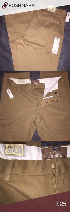 """New Men's Old Navy Classic Chinos - 31 You are looking at a NWT pair of Men's Old Navy """"Straight Fit"""" classic chinos in Dark Brown..size 31/30, and these are flat front. These are a great pair of dress pants or casual everyday pants worn year round! If you have any questions please feel free to ask! Thanks!😎 Old Navy Pants Chinos & Khakis"""