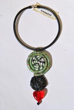 collana caoutchouc verde rosso nero pendente spirale di comivishop