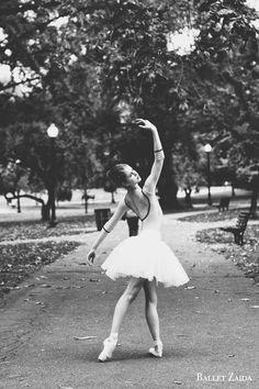 As vezes nós só precisamos dançar um pouco.