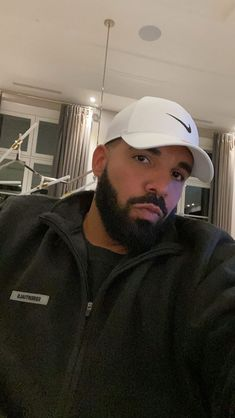 Drake Wallpapers, Phone Wallpapers, Emily Dickinson Quotes, Rihanna And Drake, Drake Drizzy, Fire And Desire, Drake Graham, Black Men Beards, Guys Thoughts