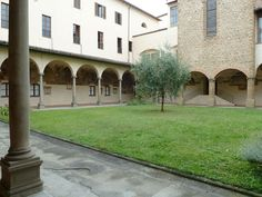 Church and Last Supper of Ognissanti - Florence. Cloister.