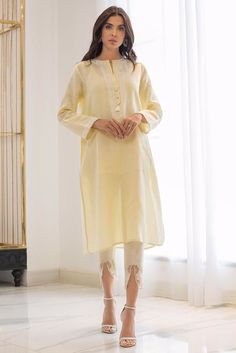 Show details for Straight linen embroidered kurta Pakistani Fashion Party Wear, Pakistani Dress Design, Pakistani Outfits, Indian Outfits, Casual Dresses, Fashion Dresses, Shadi Dresses, Ethnic Dress, Kurta Designs