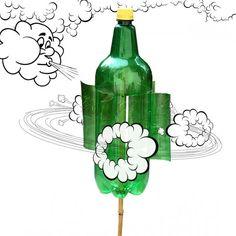 Moulin à vent fait avec une bouteille en plastique                                                                                                                                                                                 Plus