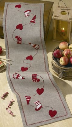 Stocking and Hearts Runner: Cross stitch (Permin, 68-0246)