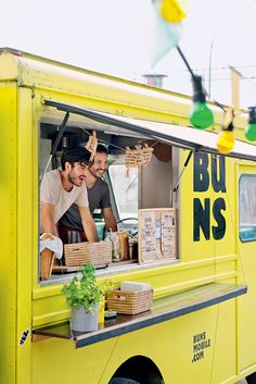 Dear food trucks, thank you for providing us with delicious food on the go! Food Trucks, Mobile Cafe, Mobile Shop, Coffee Truck, Coffee Carts, Foodtrucks Ideas, Restaurant Logo, Restaurant Ideas, Food Vans