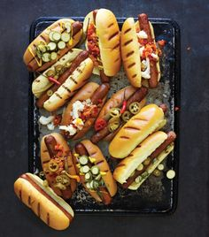 25 Ways to Eat Hotdogs… New York Street Dogs Chicago Dogs Bruschetta Dogs Pekingese Dogs Chili Cheese Dogs Bacon-Wrapped Splitters BBQ Dogs ...