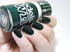 Models Own Hypergel Ebony Green Swatch by Marine Loves Polish