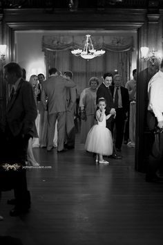 Willistead Manor. Wedding Photojournalist Windsor Ontario - Jayme Morrison