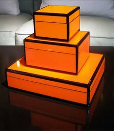 Accessories - DIY lacquered boxes for punches of color. http://littlegreennotebook.blogspot.com/2009/10/lacquer-boxes.html