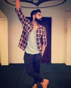 The look clasic Flannel Fashion, Flannel Style, Parmish Verma Beard, Timberland Boots Outfit, Fashion Models, Mens Fashion, Normal Guys, Bollywood Stars, Latest Pics