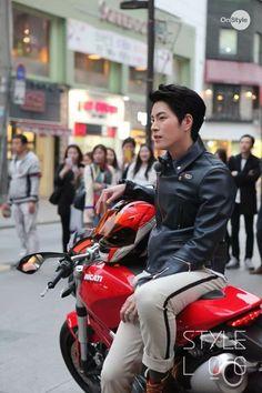 Hong Jong Hyun 홍종현