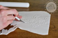 I found an awesome tutorial on how to do lace fondant! Step-by-step instructions with pictures...I am DEFINITELY trying this one!