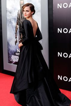 Emma Watson in Oscar de la Renta (Fall 2014) at the New York premiere of 'Noah' held at the Ziegfeld Theatre in NYC, March 26, 2014