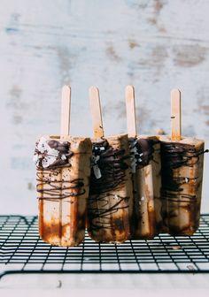 Iced Latte Macchiato Popcicles recipe by Shabnam☽ Cold Desserts, Frozen Desserts, Frozen Treats, Chocolate Desserts, Chocolate Hazelnut, Granita, Gelato Recipe, Iced Latte, Iced Coffee