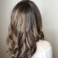 Soft Highlights #salonedenofraleigh  #bumbleandbumble #longhairstyles #goldwell #curls