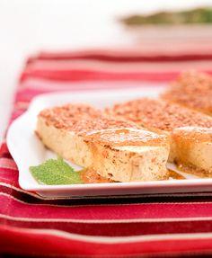 Tofu al sésamo con salsa de cacahuete y miso