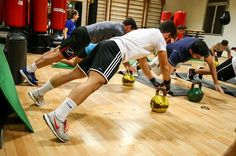 Corso di Cross Aktive Palestra Modena Kettlebell, Basketball Court, Fitness, Sports, Hs Sports, Kettlebells, Sport, Health Fitness, Rogue Fitness