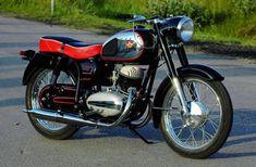 Since 1954 Vintage Bikes, Vintage Motorcycles, Cars And Motorcycles, Vintage Cars, Excelsior Motorcycle, Motorcycle Men, Scooters, Schmidt, Yamaha Bikes