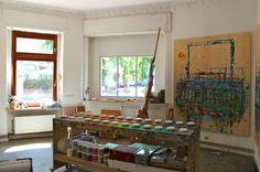 Die Malschule Friedenau ist eine Privatschule für Malen und Zeichnen für jedes Lebensalter in Berlin-Schöneberg. Malen, Zeichnen und Bildkomposition werden im Unterricht und den Kursen altersgerecht vermittelt.