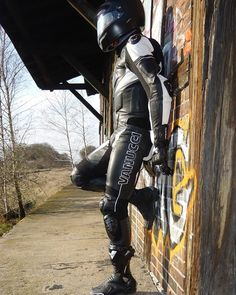 clad on a ride out now waiting for biker mate to turn up as arranged. Bike Suit, Motorcycle Suit, Motorcycle Leather, Biker Leather, Leather Men, Motard Sexy, Motorbike Leathers, Biker Gear, Biker Style