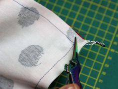 Japanischen Lotus Beutel nähen Häkelanleitung Baby, Stoff Design, Lotus, Cufflinks, Sewing, Accessories, Diy, Japanese Knot Bag, Paper Piecing Patterns